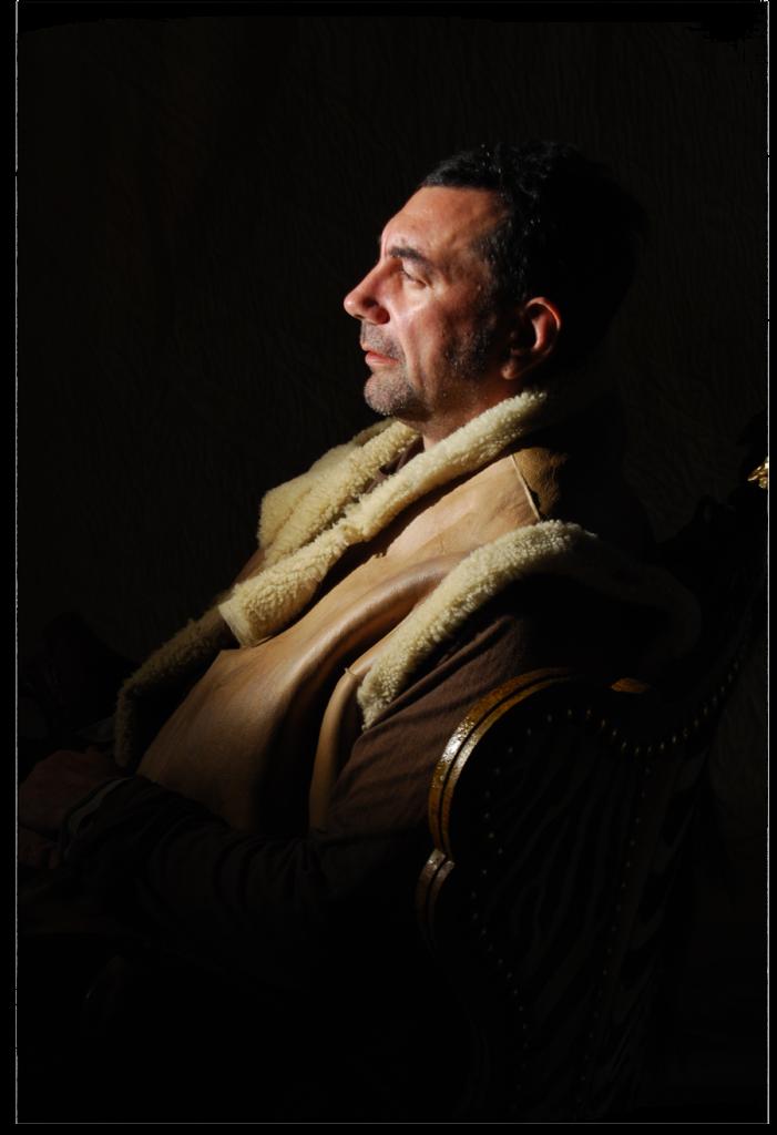 portrait-MH01